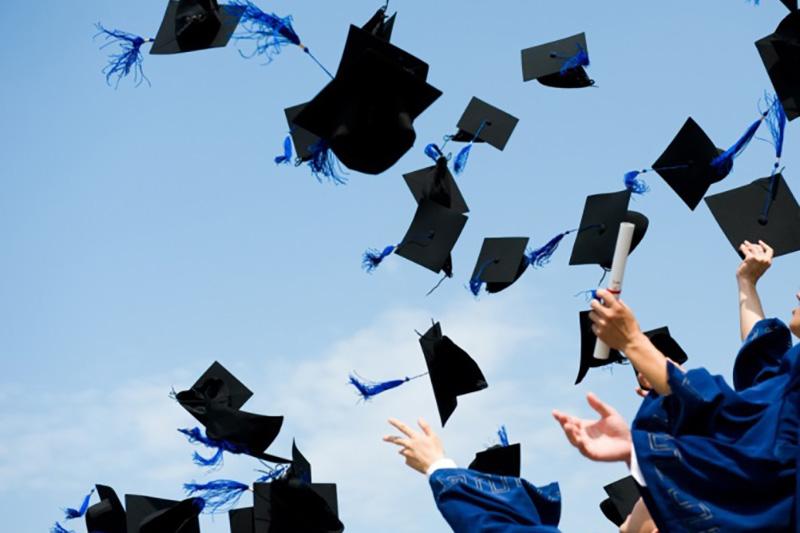 Шляпы студентов