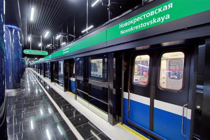 Новокрестовская1